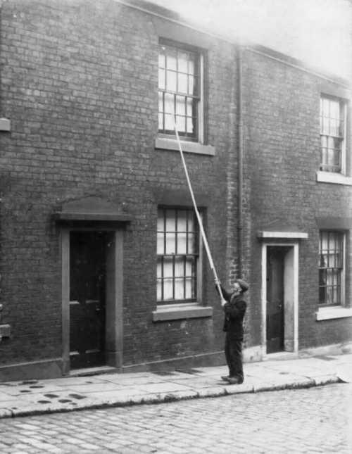Профессия будильщиков в Англии