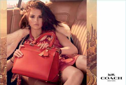 Селена Гомес выпустила сумку собственного дизайна