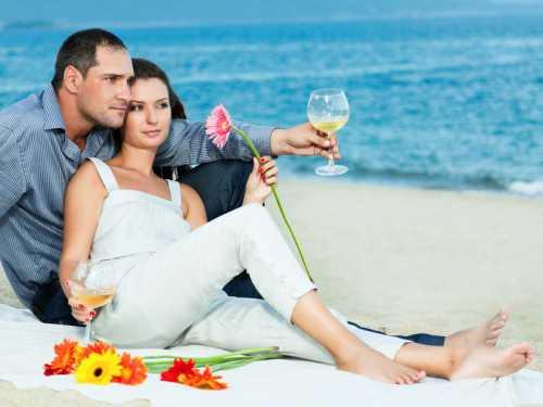 Ну как в отпуске без курортного романа мужчина и женщина