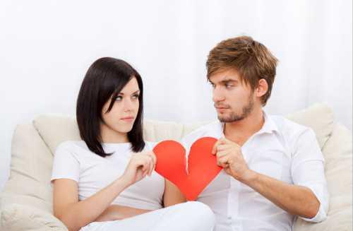 Тут очень важно понять мужчин с их точки зрения, если они приходят домой после работы, живут с женщиной, выслушивают ее нотации то это уже является любовью