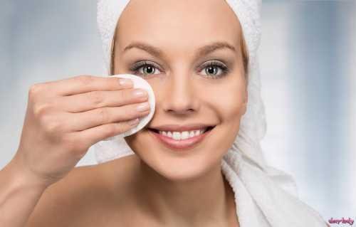 Какими средствами лучше всего снимать макияж