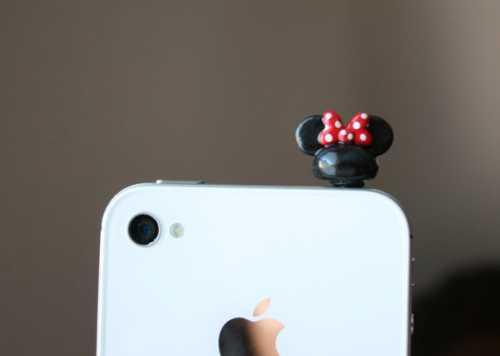 Как прокачать свой смартфон: оригинальные заглушки от пыли фото