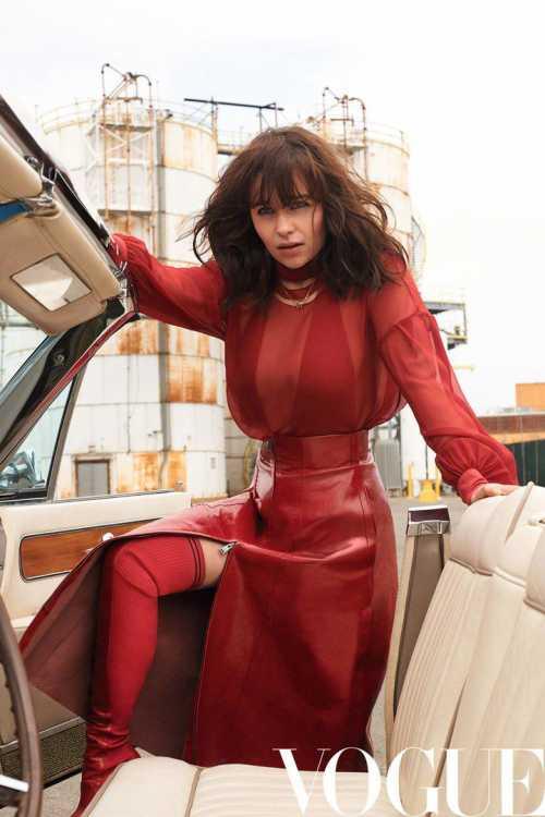 Эмилия Кларк появилась на обложке VOGUE JAPAN фото
